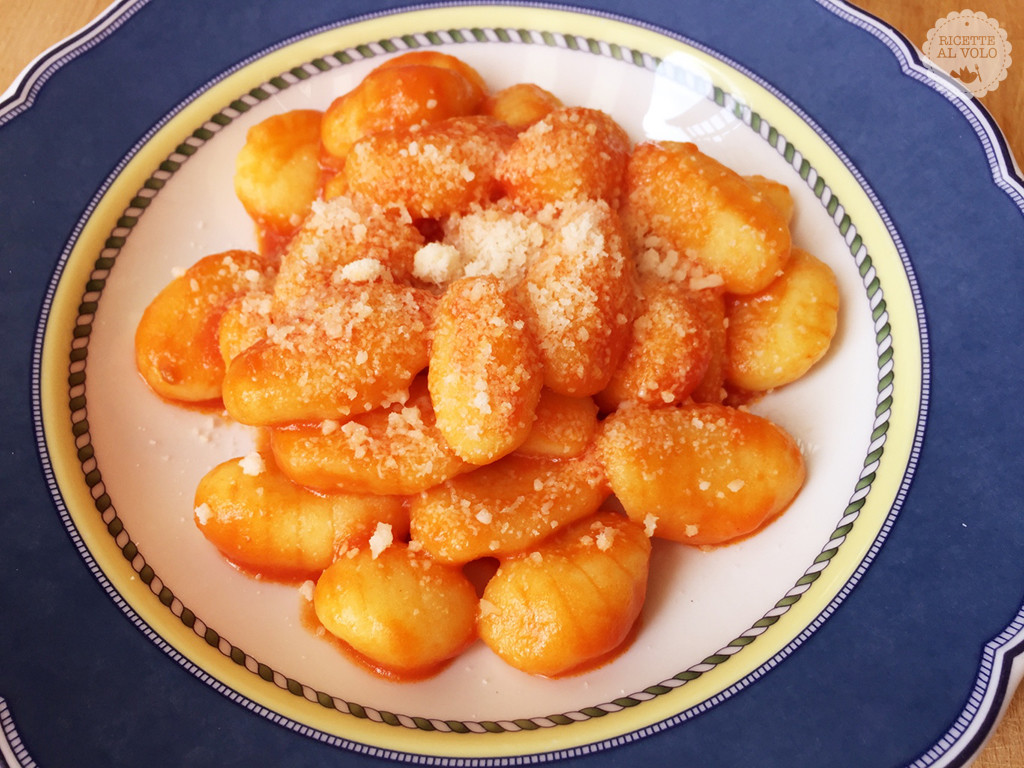 Gnocchi al sugo di pomodoro