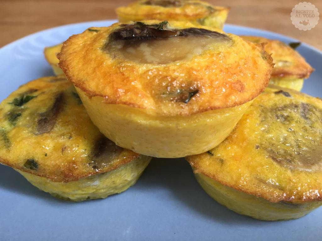 Muffin di frittata con funghi