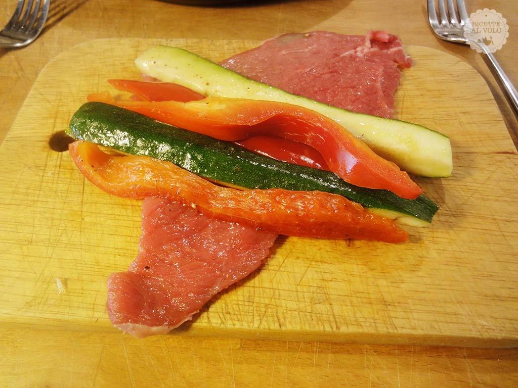 Involtini di carne ripieni con verdure