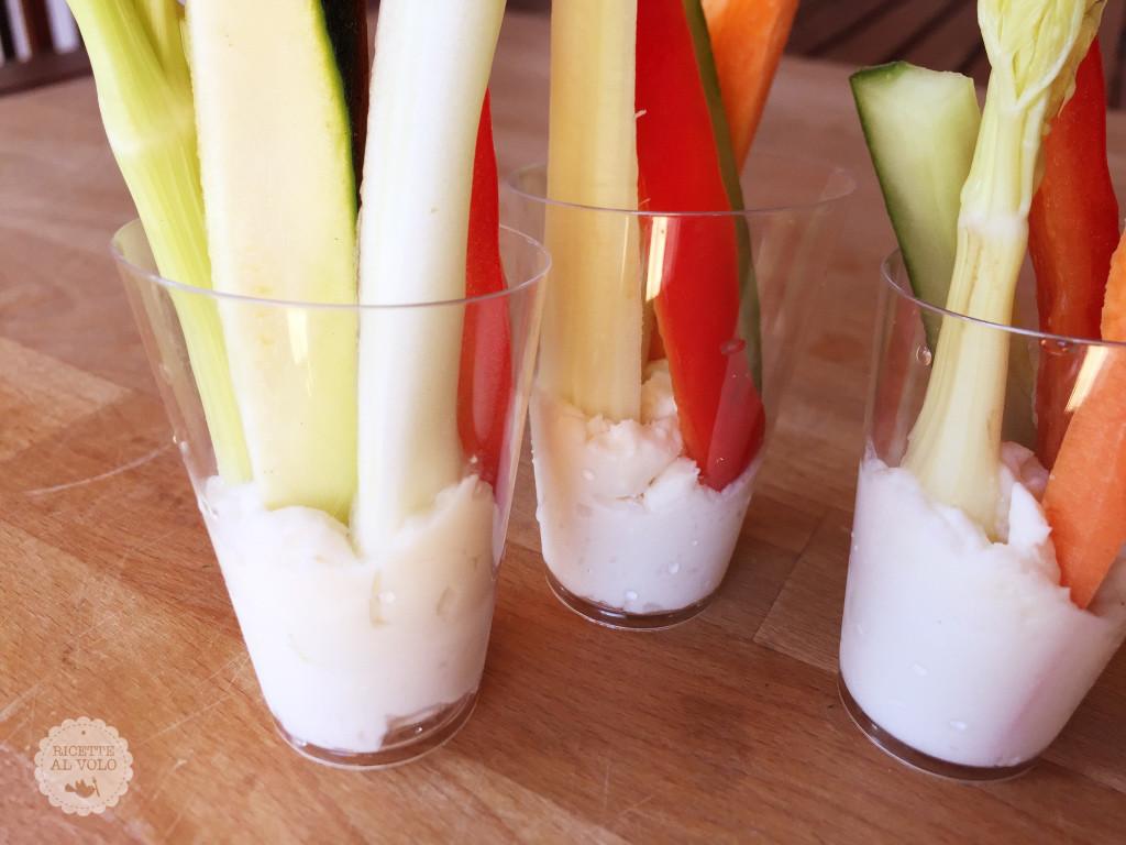 Bicchierini di crema al Grana Padano con verdurine
