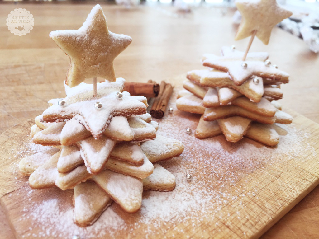 Alberelli di Natale con biscotti arancia e cannella