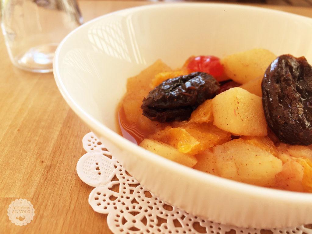 Frutta cotta al profumo di cannella