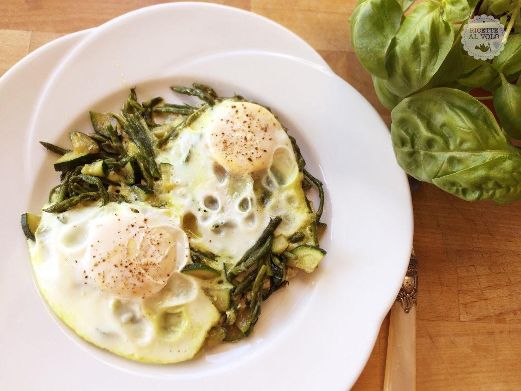 Uova con asparagi selvatici e zucchine