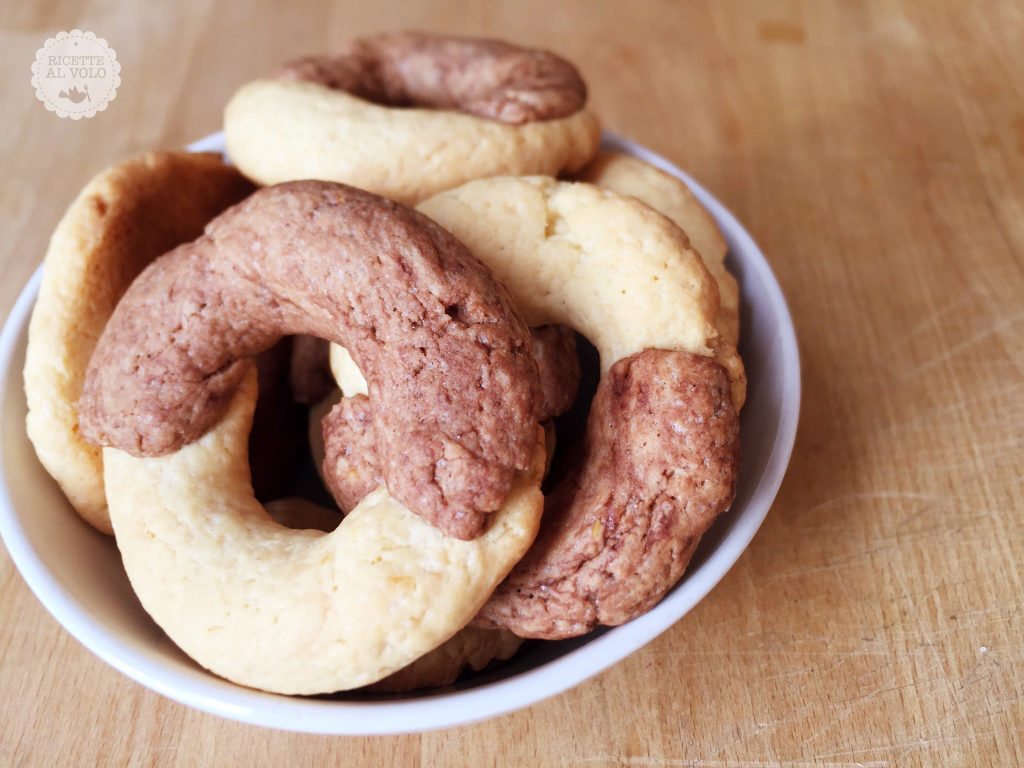 Biscotti bianchi e neri