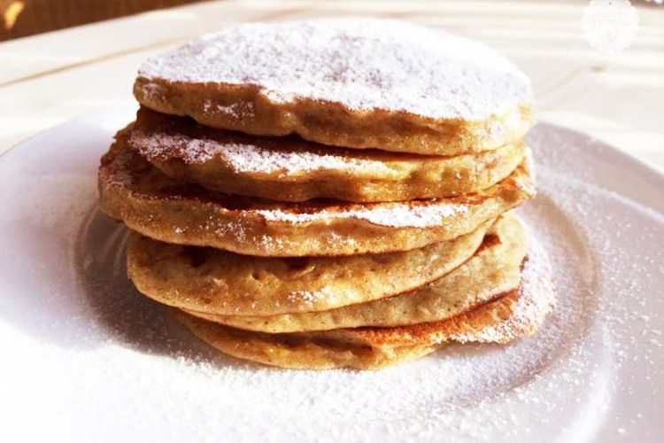 Ricetta Pancake Normali.Pancakes Alla Banana Ricetta Light Ricette Al Volo