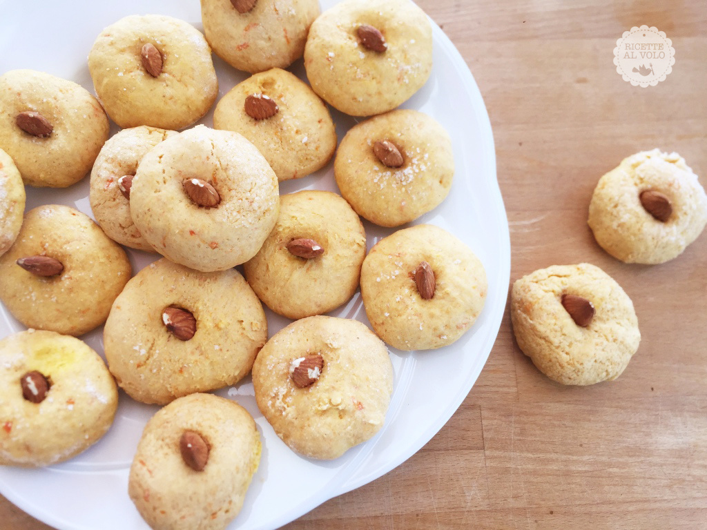 Biscotti con zucca e mandorle