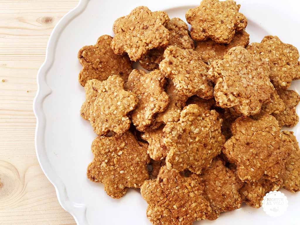 Biscotti vegani con fiocchi d'avena