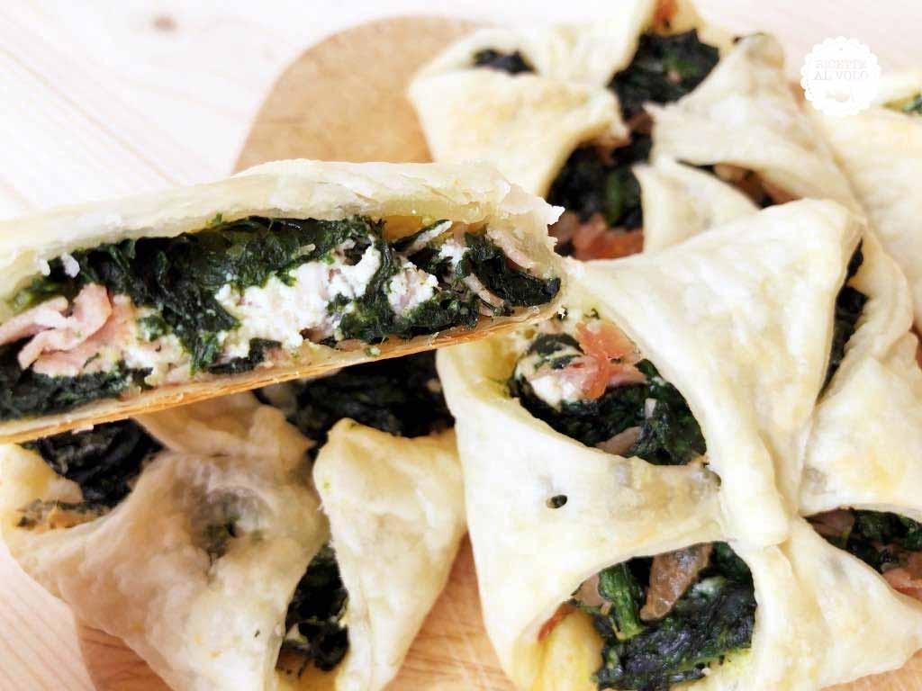 Fagottini di pasta sfoglia con spinaci e prosciutto
