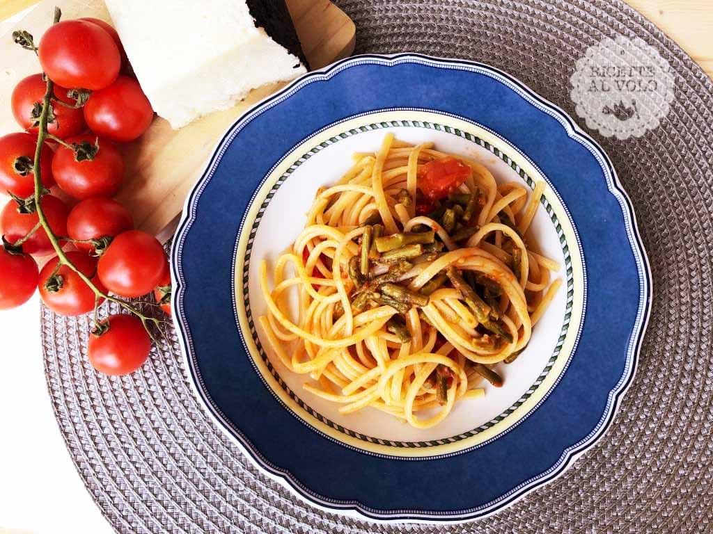 Linguine con asparagi e pomodorini Pachino