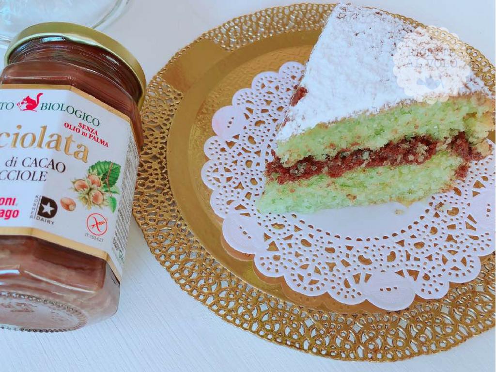 Torta menta, cocco e Nocciolata ricetta senza bilancia