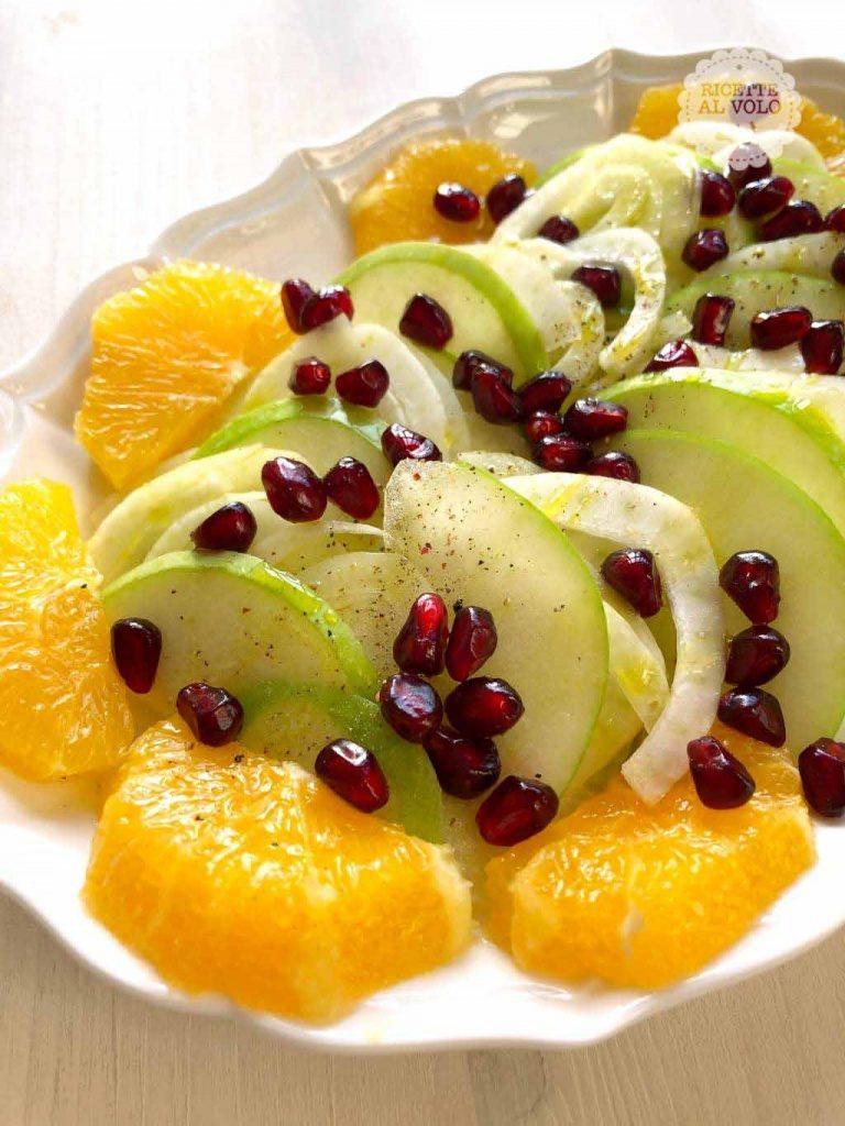 Insalata natalizia di frutta e finocchio