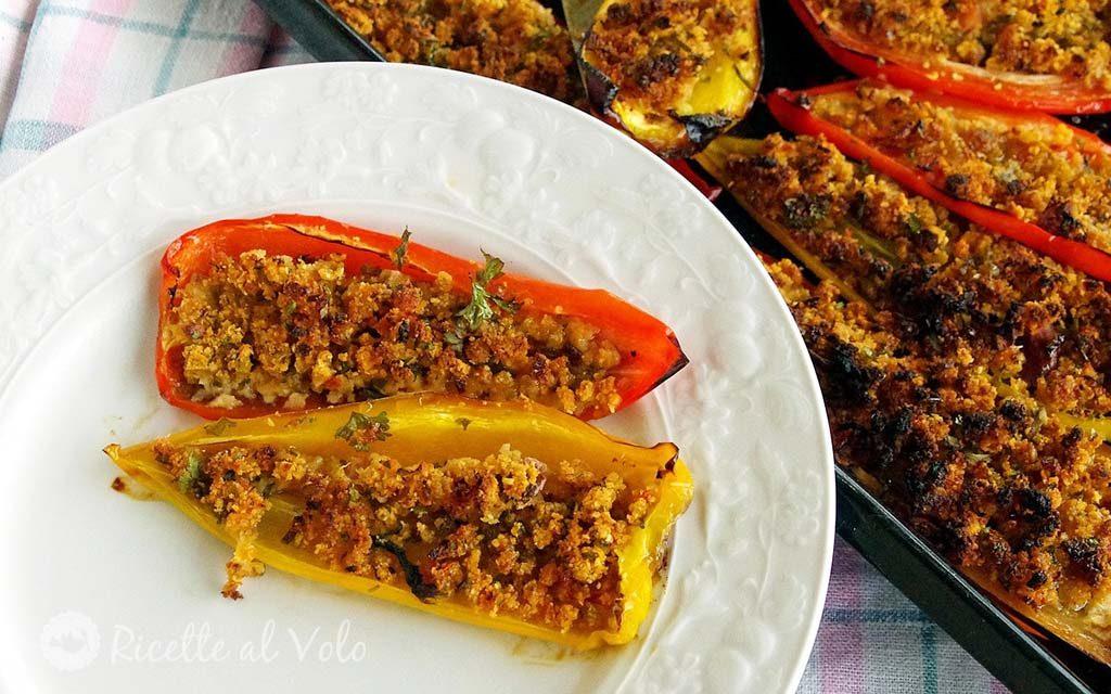 Peperoni gratinati al forno con pane raffermo