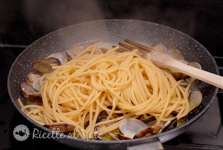 spaghetti-alle-vongole-veraci