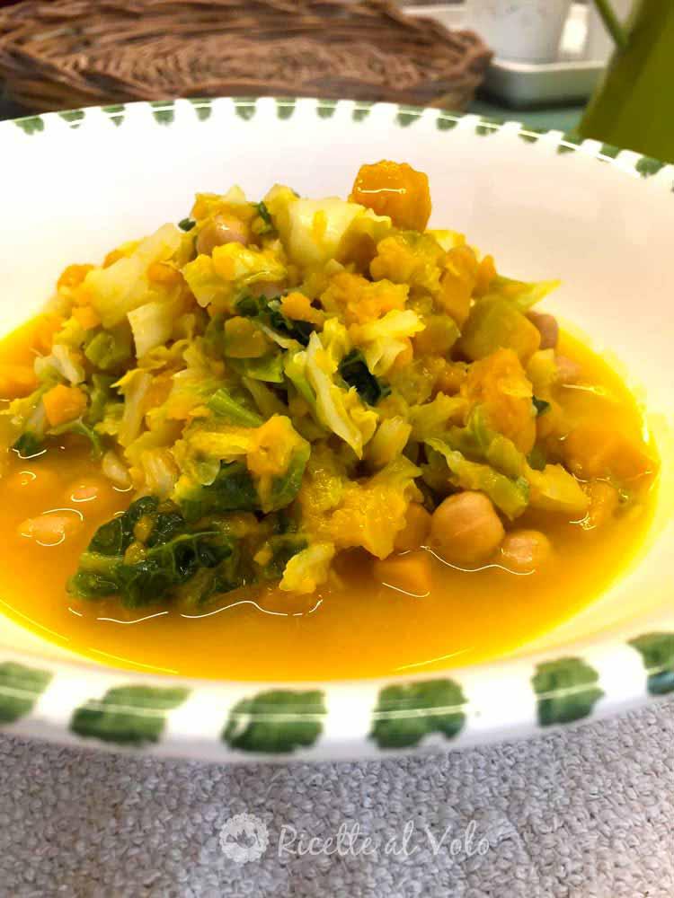 Zuppa di ceci con verza e zucca