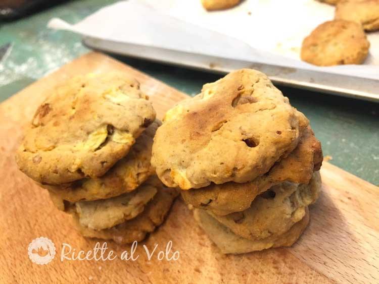 Biscotti con mela e noci ricetta genuina
