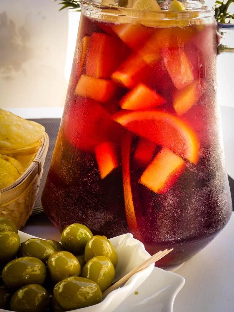 Ricetta Per Sangria.Sangria Ricetta Facile Del Famoso Drink Spagnolo Ricette Al Volo