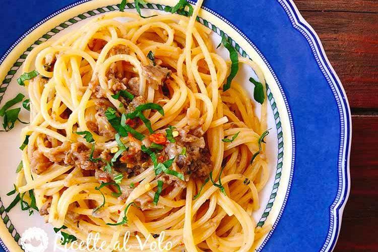 Spaghetti con i funghi champignon