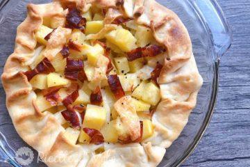 Torta salata con speck, patate e formaggio