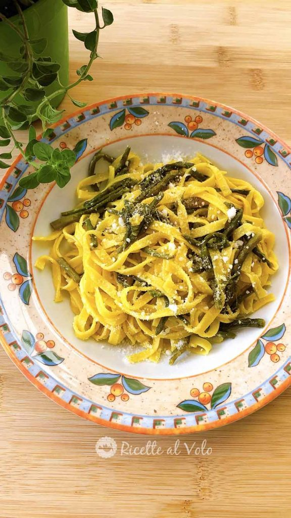 Tagliatelle agli asparagi ricetta facile